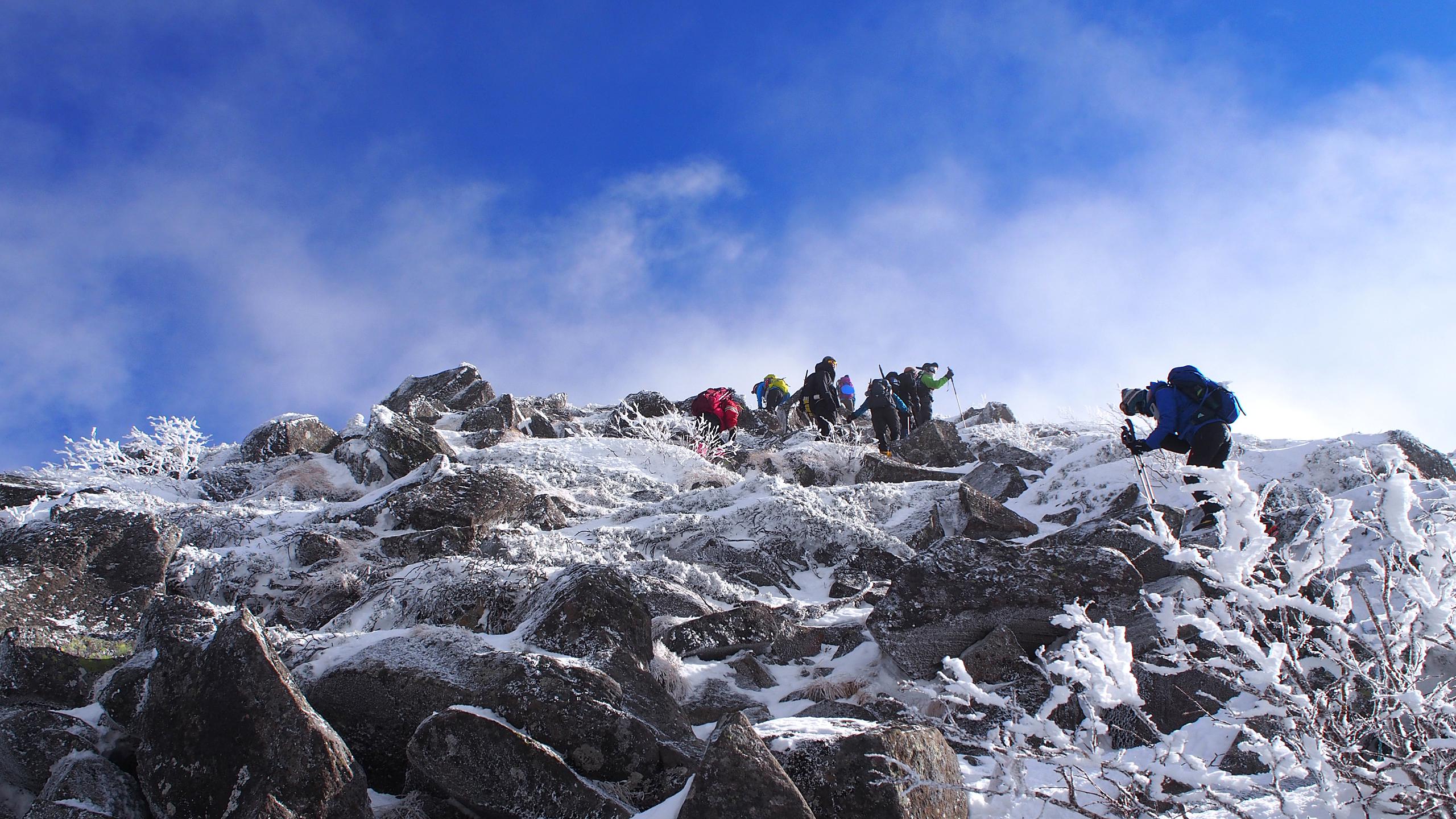 西天狗岳への最後の急登