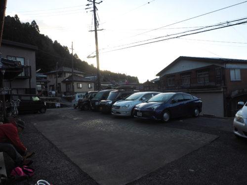 みことやさんの駐車場